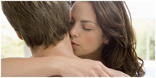 5 Sensasi Foreplay Tanpa Menggunakan Tangan