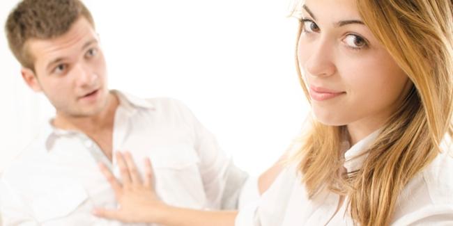 7 Tanda Dia Bukan Pasangan Yang Baik