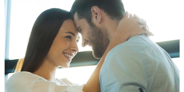 Dasyatnya Manfaat Berpelukan Pada Suami Ister